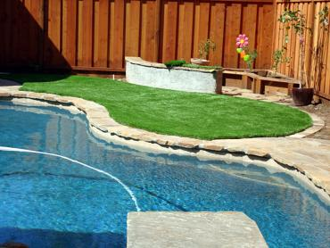 Artificial Grass Photos: Faux Grass Balm, Florida Rooftop, Backyard Design